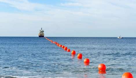 Llegó a la costa de Punta del Este cable submarino de fibra óptica de 12.000 kilómetros de extensión