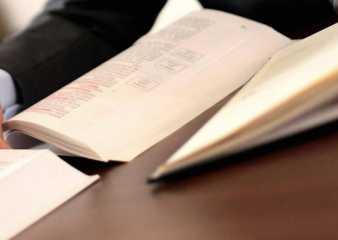 La IDM suscribe acuerdo con el Claeh para abrir dos consultorios jurídicos
