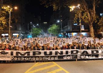 Miles de personas acompañaron la 23ª Marcha del Silencio en Uruguay y el exterior
