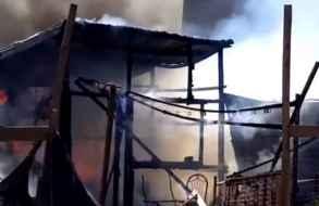 Incendio en asentamiento Los Eucaliptos arrasó tres viviendas precarias