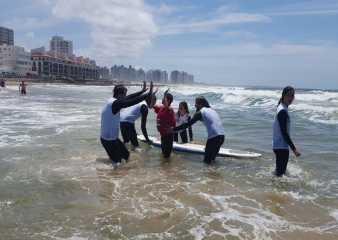 """Surf Inclusivo y """"Vas pal Agua"""" se realizarán el sábado en playa El Emir"""