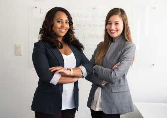 Mujeres en el mercado laboral: superan el 30% en cargos directivos a nivel global