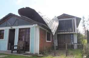 Cuantiosos daños provocó una turbonada que golpeó la zona de Pueblo Obrero esta madrugada